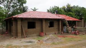 Adobe mejorado home under construction