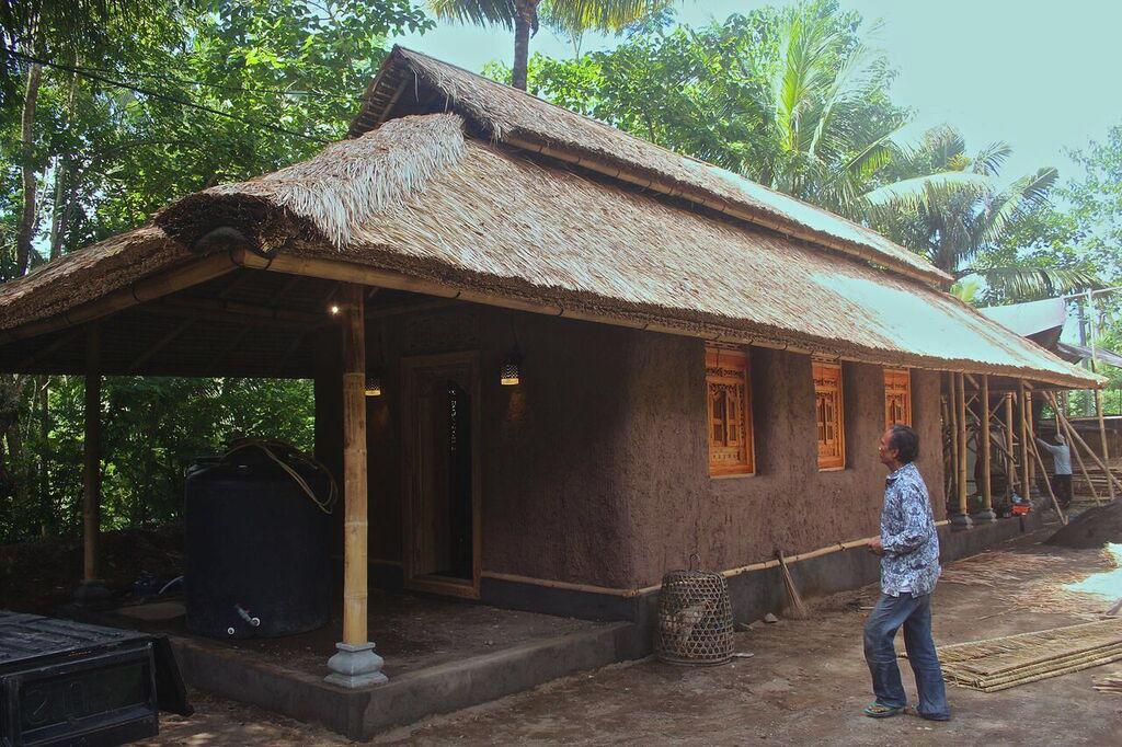Straw Bale in Bali